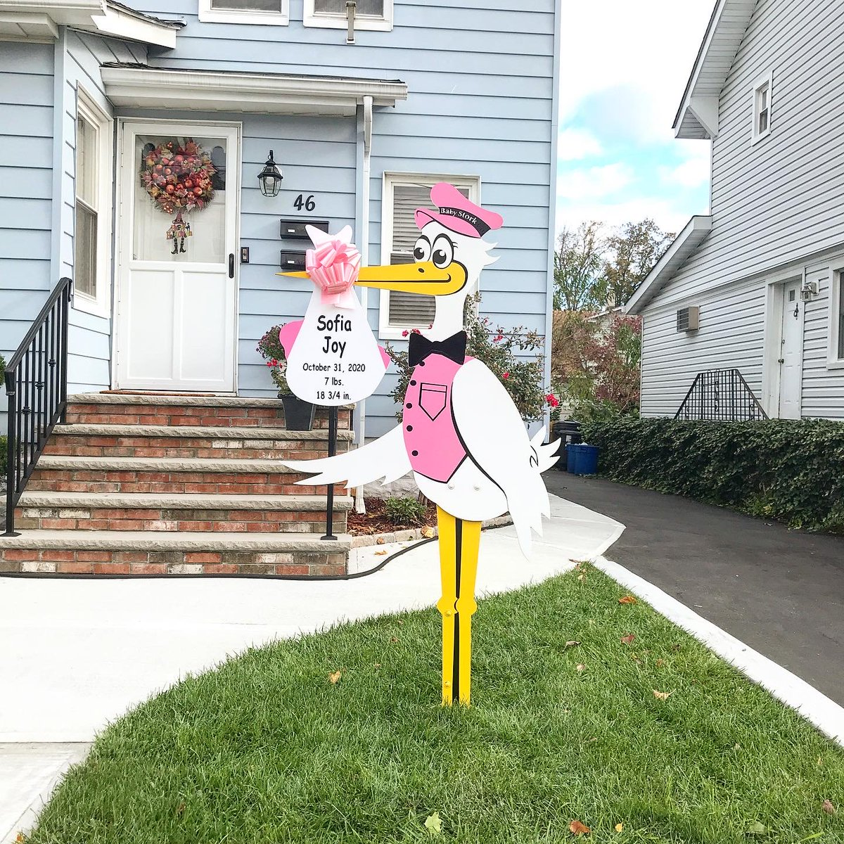 yard signs have something special for the whole family. We proudly serve North and Central NJ, and selected areas of PA & NY. #pregnant #baby #pregnancy #love #maternity #nj #gift #giftidea #aww #momtobe #babystork #babystorkshop #thirdtrimester #cute