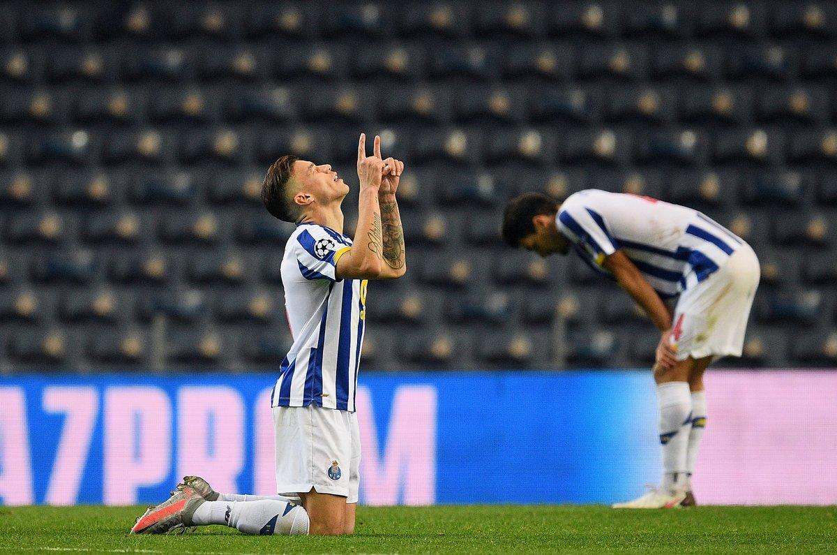 🔵⚪️ Porto qualify for last 16 👏👏👏  #UCL