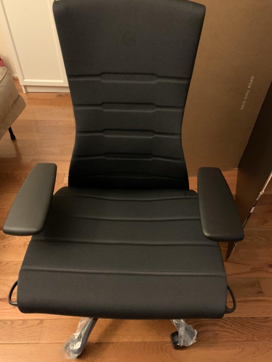 TSMSword - The @LogitechG x @HermanMiller embody gaming chair is so nice oh my god