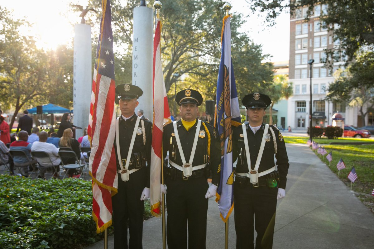 St. Pete's yearly Veterans Day Celebration returns for its 7th year in a row on Wednesday, December 9 at 8AM in Williams Park. Mayor @Kriseman will celebrate Veterans Day by honoring veterans and presenting the Honored Veteran Award to two outstanding local veterans. ☀️