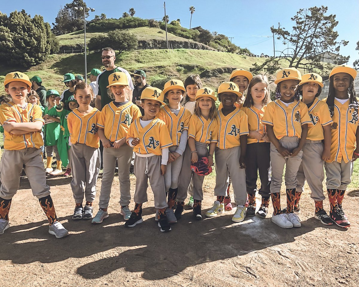 Tis the season of giving! Join us today by making a donation to our #BayAreaUnite Giving Tuesday fundraiser. Together we can continue to provide more than 22,000 East Bay youth with quality baseball and softball programs in 2021. #RootedInOakland 🔗: athletics.com/donation