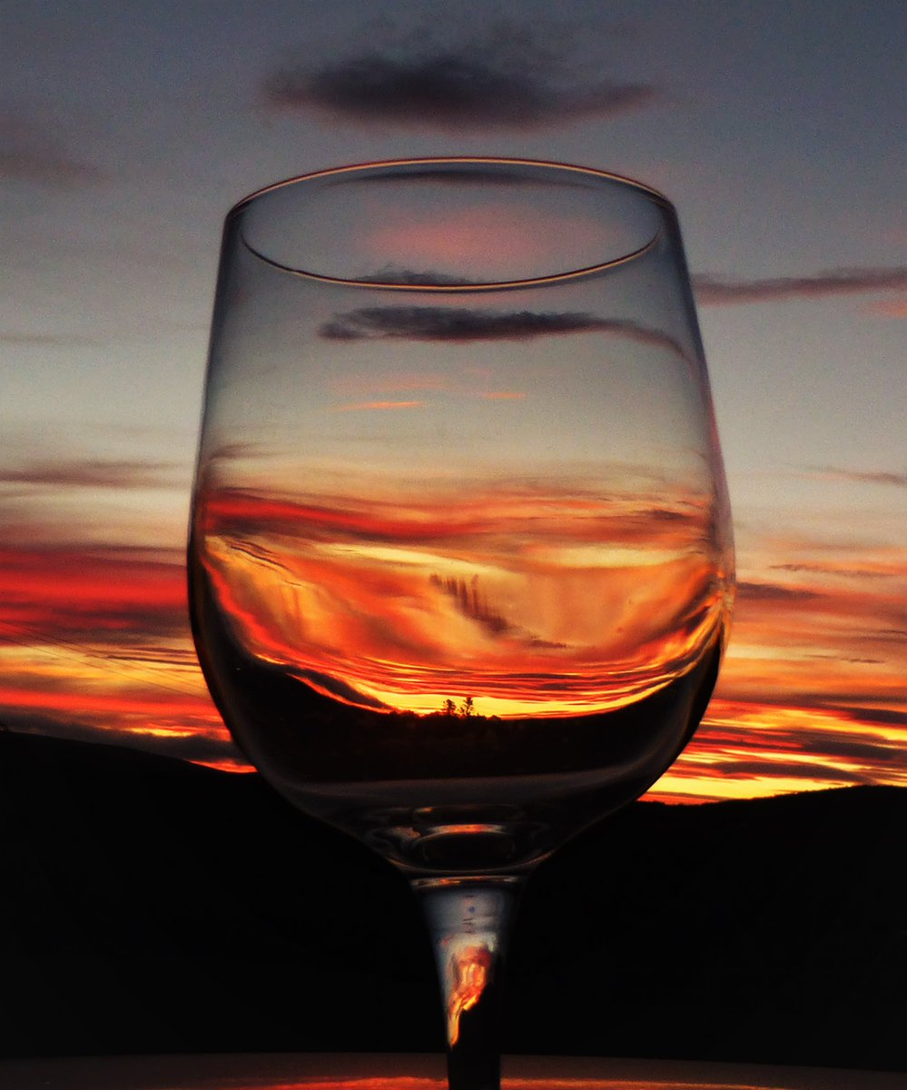 Tonights sunset in a glass 🍷☺️ Lethen, Nairn, Scotland @StormHour @ThePhotoHour @MacroHour @BBCScotWeather #loveukweather #justforfun #sunset @BBCHighlands