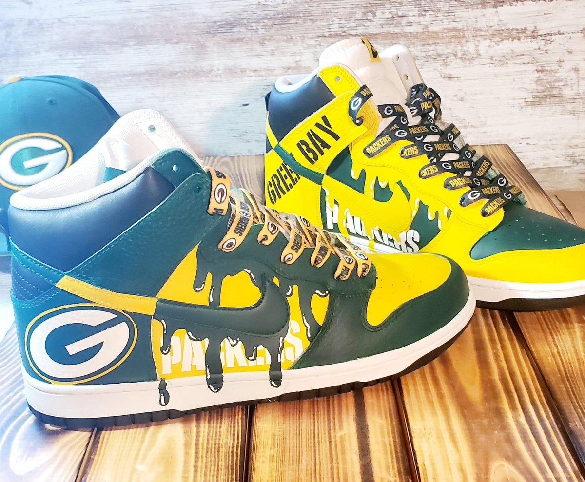 Throwing this back up for #GivingTuesday  Online raffle for these custom #Packers shoes! All proceeds go to @LLSusa #GoPackGo