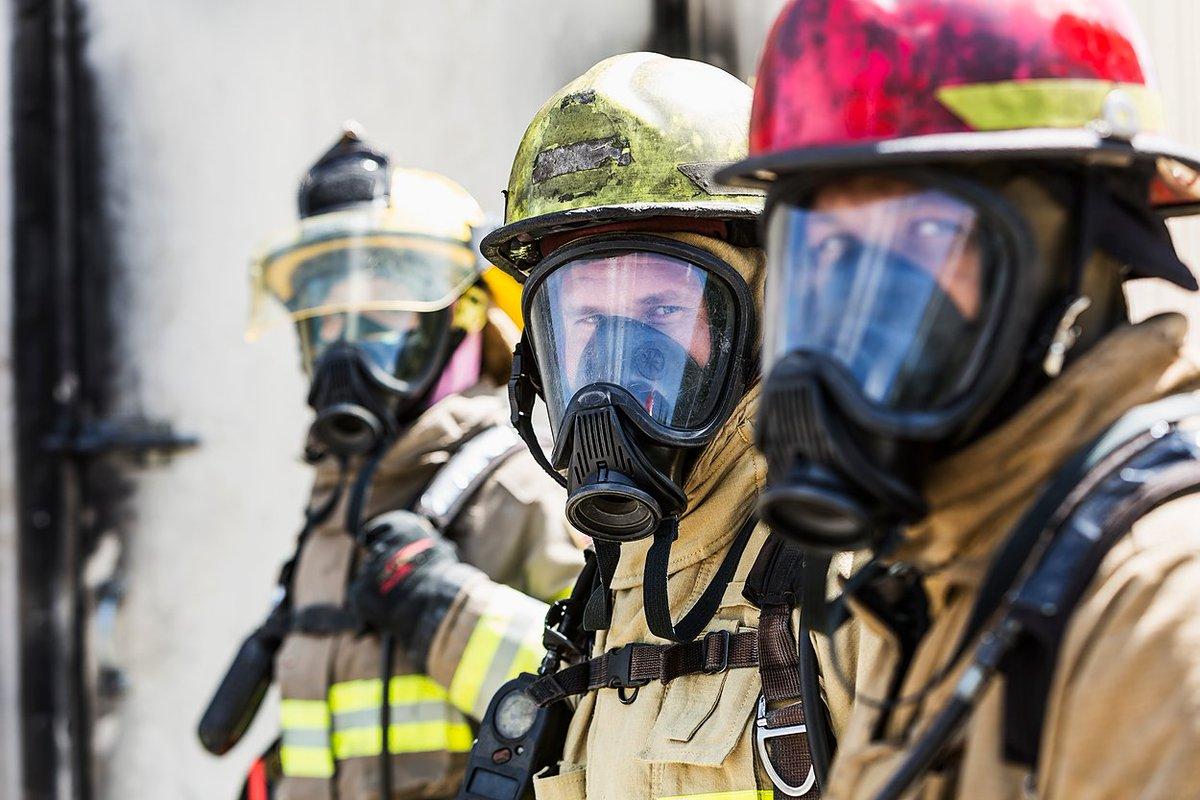Los policías, los bomberos y otros socorristas de primera línea tienen 5 veces más probabilidades de sufrir depresión y trastorno de estrés postraumático debido al trabajo. Lo que pueden hacer los empleadores para apoyar la salud mental:  (🔗 en inglés)