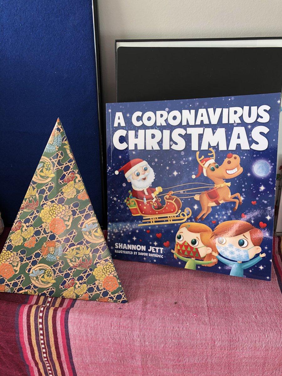 新しい本が届きました! My new collection was delivered その名も「A Coronavirus Christmas」(コロナウイルスクリスマス) #christma2020 #ChildrensBooks #絵本 #christmas #クリスマス #coronavirus #covid19 #コロナ #新型コロナウイルス #origami #おりがみ #christmastree #クリスマスツリー