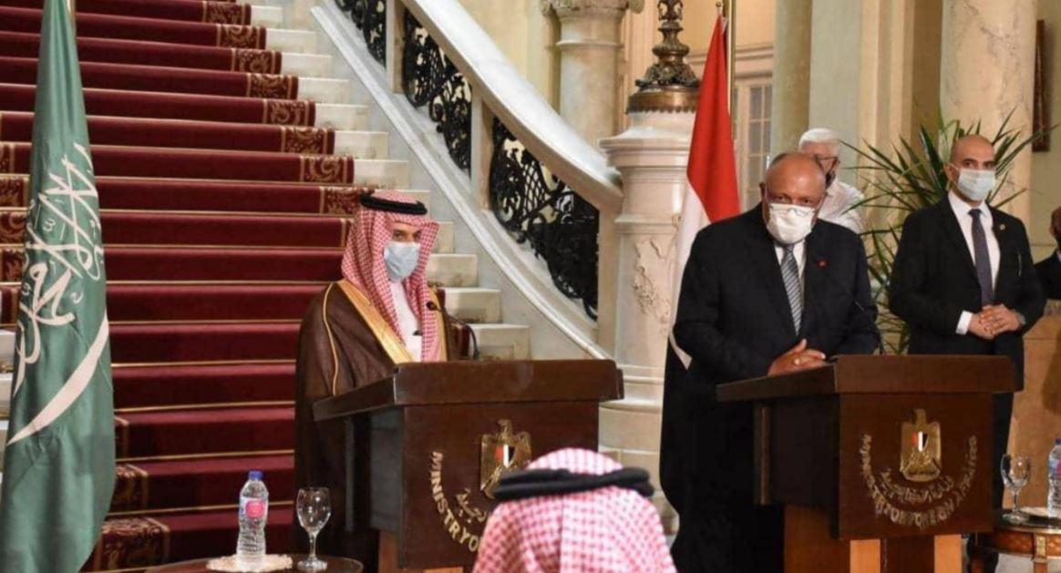 #السعودية و #مصر ترفضان التدخلات الإقليمية في الشؤون الداخلية للدول العربية  https://t.co/BjOMIwAxKm  #البيان_القارئ_دائما https://t.co/9hLX5pprOb