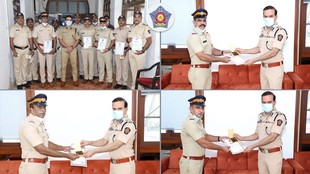 Andheri P.Stn personnel tracked and seized a chain snatcher's motorbike within 36 hours of case registration.  The accused had 11 cases registered against him at various police stations.  @CPMumbaiPolice felicitated the personnel for quick and efficient solve.  #MumbaiCaseFiles