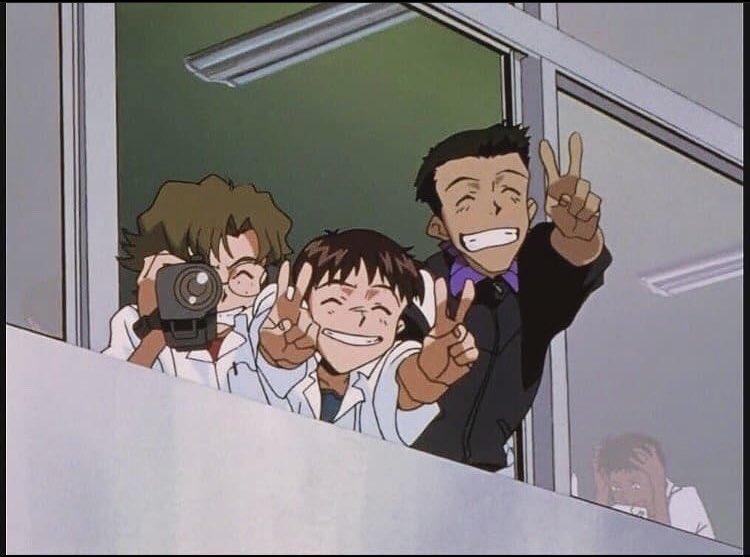 Las personas que están viendo jujutsu Kaisen y animes en emision/ la persona que está esperando la 4 temp de shingeki.
