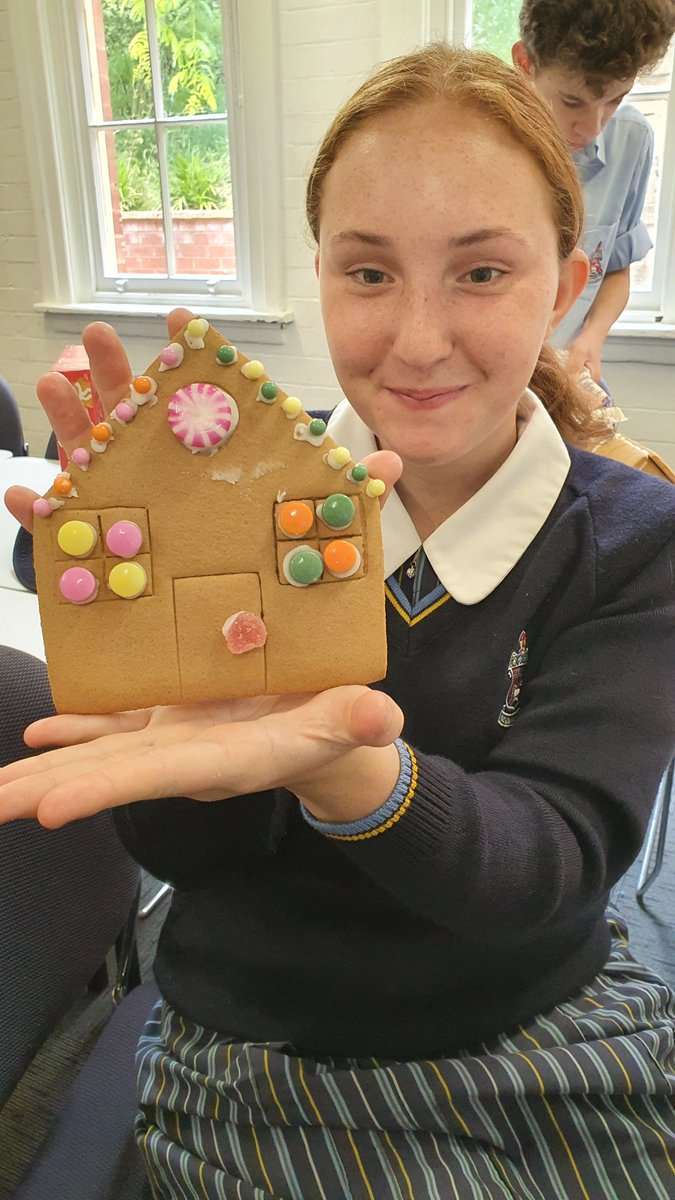 Guten tag! Some of our Year 8 and 9 students creating some tantalising treats in German class. Absorbing a bit of culture AND getting dessert? Yes, please!   P.S. you can say auf wiedersehen to those gingerbread houses, they won't last long!