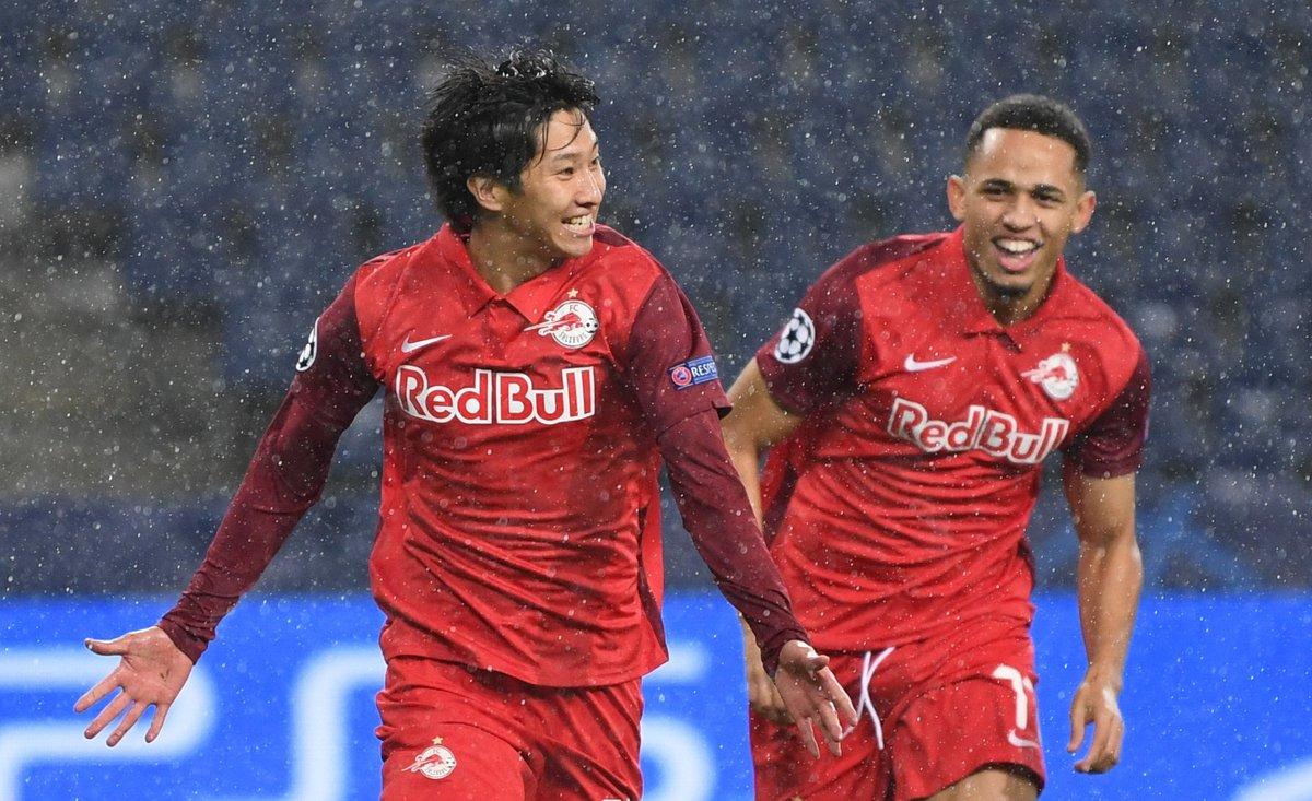 RB Salzburg patut berterimakasih kepada juara grup A, Bayern Muenchen, sehingga wakil Austria tersebut punya peluang masuk 16 Besar #UCL   Di matchday terakhir, 'Die Roten Bullen' wajib kalahkan Atletico Madrid untuk lolos, sedangkan Joao Felix dkk cukup seri.