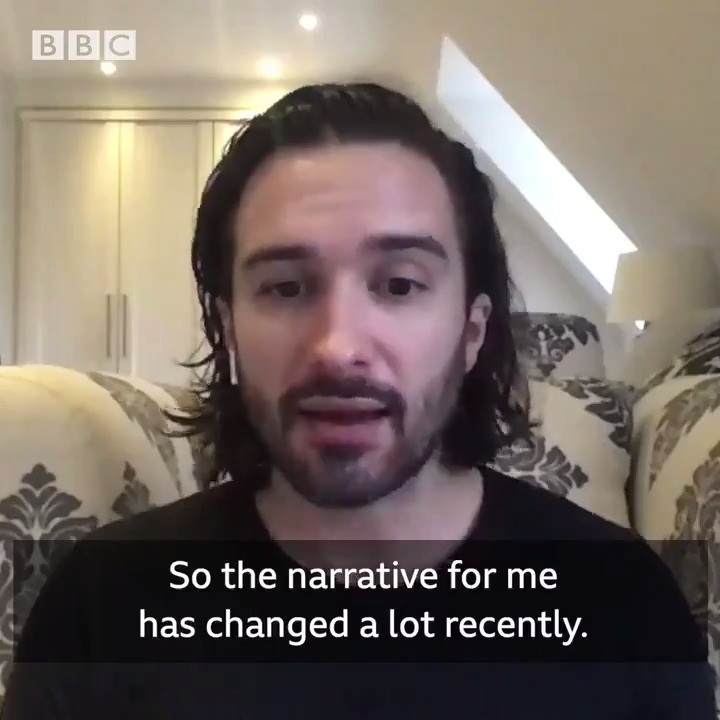 """🧠""""Exercise changes your mindset""""  And helps you become… ✅ More focussed ✅ More productive ✅ More patient  @EddieHearn is joined by @thebodycoach Joe Wicks on this week's #NoPassionNoPoint  Download, listen and subscribe on the free @BBCSounds app 🎧"""