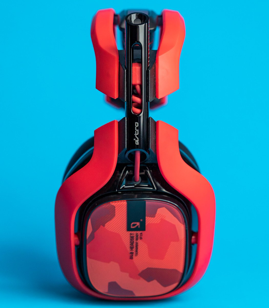 Headsets are red, Headsets are blue,  is made just for you.
