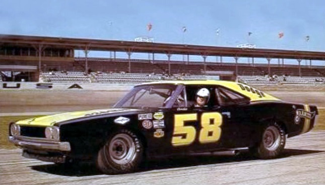 Andy Hampton would have been 92 today #RIP #LouisvilleKY 🏁