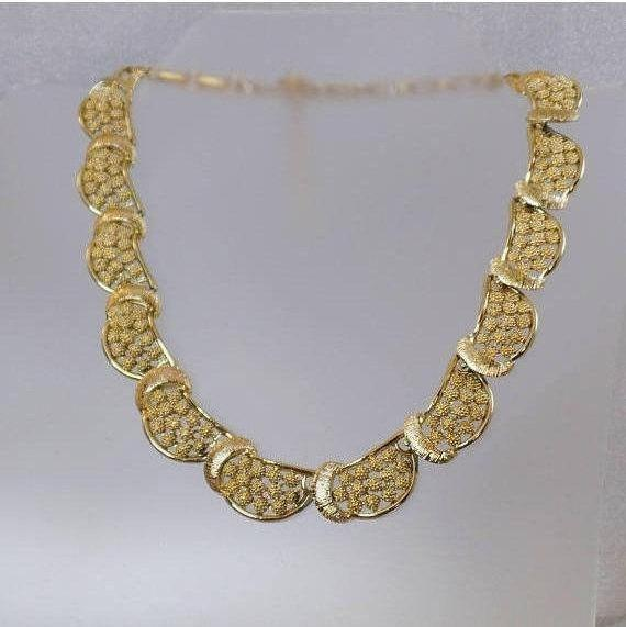 Coro Necklace.  Textured Gold 1950s Coro Choker Necklace. waalaa. Necklaces for Women. #vintage #antique #shopping #jewelry #jewellery #gifts #wedding #etsy