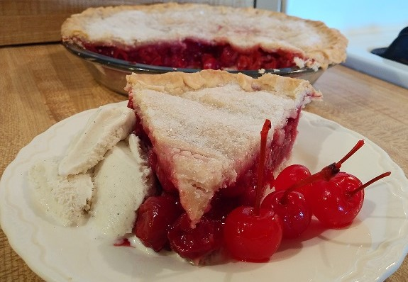 Cherry Pie w/ Frozen Cherries!👨🍳🥧🍒    #foodie #foodies #foodblog #foodblogger #recipe #cooking #easyrecipes #lunch #lunchtime #dessert #pie #WednesdayThought #WednesdayWisdom #WednesdayVibe #Wednesday #chef #ParnellTheChef