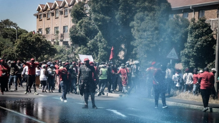 An interdict application to stop the EFF from protesting outside Brackenfell High School to be heard. full story on https://t.co/2U4gKWcLVM https://t.co/KFgpKbYeTw