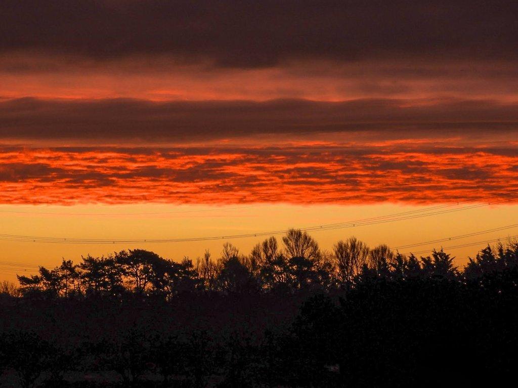 An entry for @RMetS #stormhour #POTW Wednesday morning pre sunrise Graveley Hertfordshire UK