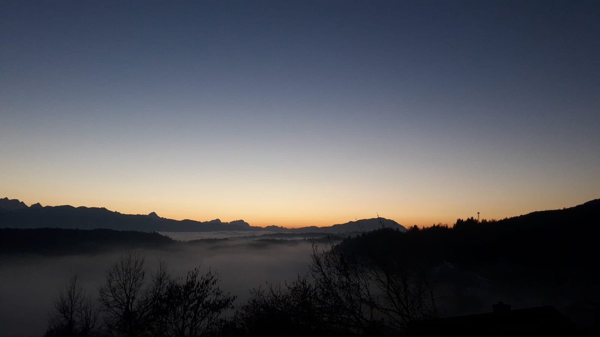 My entry to @RMetS #StormHour #POTW competition:  ~ Mountain dream ~  Even today I am allowed to show pictures of my good friend, which I think must be seen. This is also from last weekend — with a view of the mountains called Karawanken, the magical fog pushes past everywhere.🇦🇹