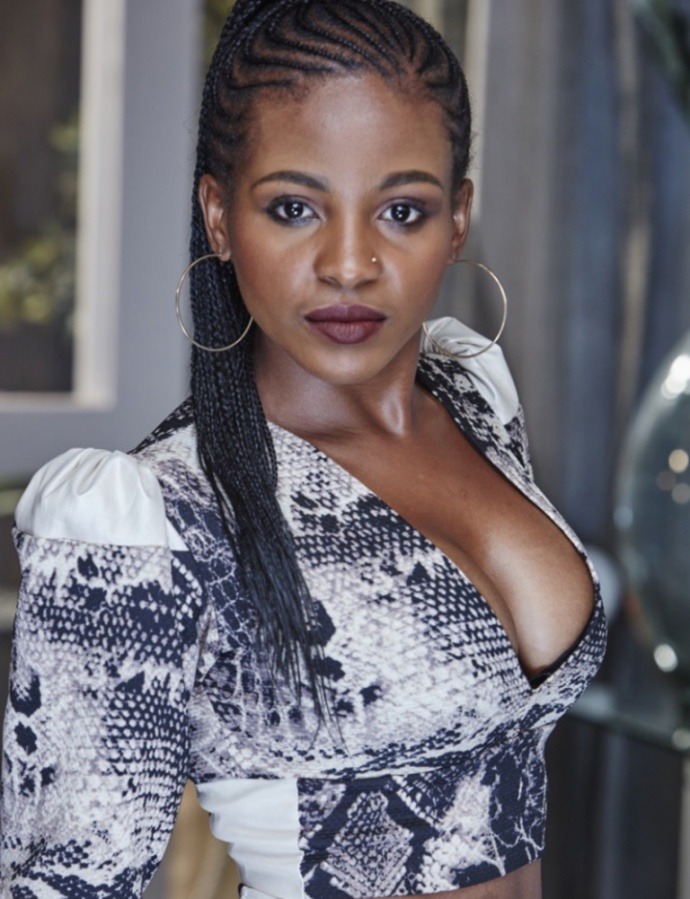 https://t.co/VztRncB6js Nolo Phiri (born 4 February 1987) is a South African actress, producer and businesswoman, known for playing Niki Bongco in the etv's Rhythm City alongside Siphiwe Mtshali, Mduduzi Mabaso, Jamie Bartlett, Amo Chidi, Pam Andrews and Setlhabi Taunyane. https://t.co/nL7wllqRi2
