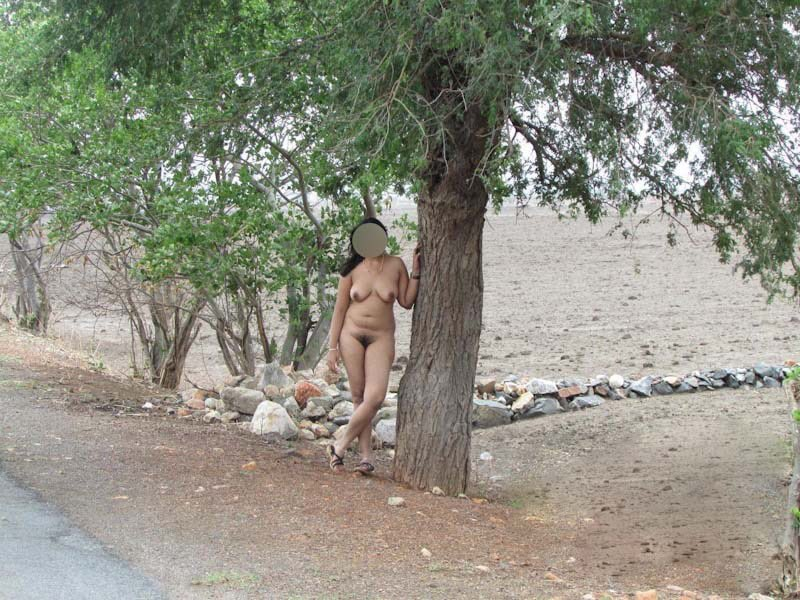 Do you know, or have seen, any indian exhibitionistnudist