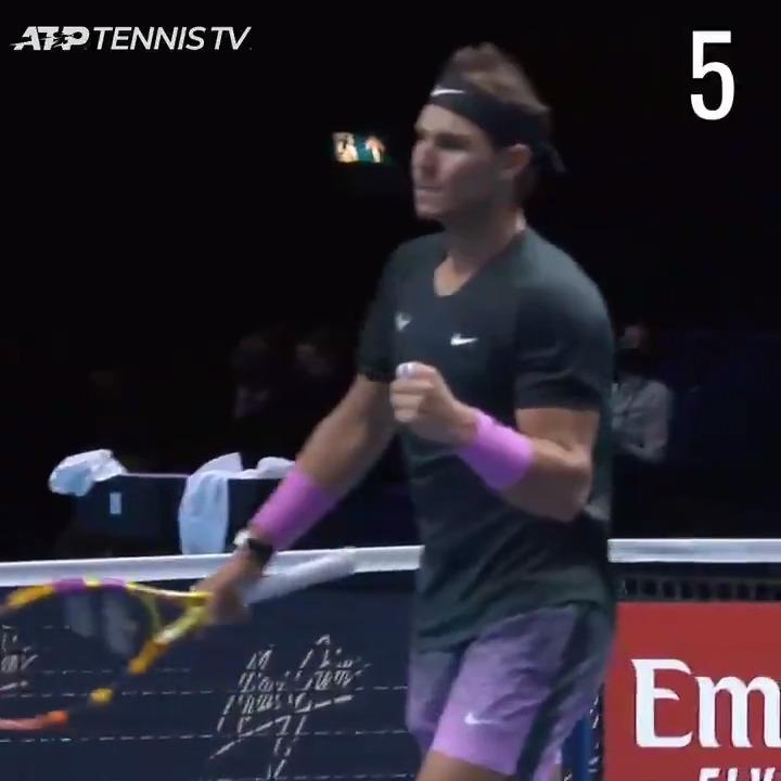 Replying to @ATPTour_ES: Siéntante y disfruta 😘   Los 🔟  mejores puntos de @RafaelNadal en 2020 🌟   🎥: @TennisTV | #ATPTour