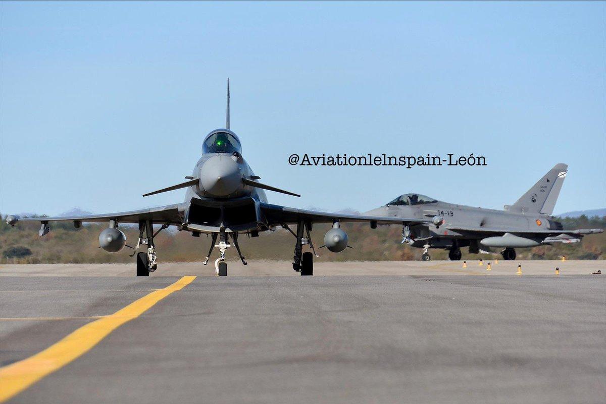 Fotografías de @aviationlelnspain @AvistamientosA #LeónSpotters de los #Eurofighter #Typhoon del #Ala14 (#Albacete) a #LELN