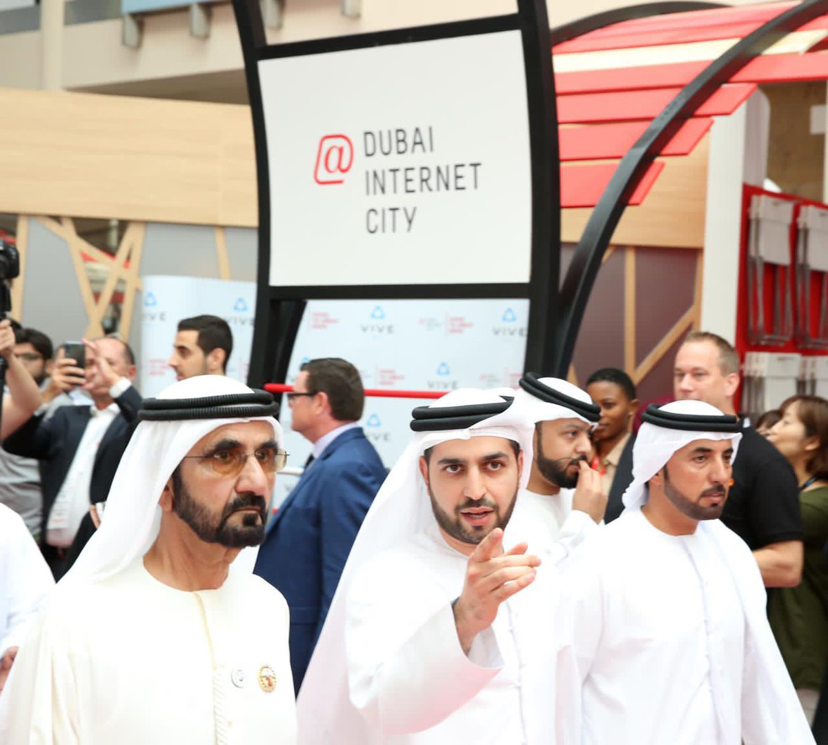 Highlights from #GITEX2019 Meet us at the #DubaiInternetCity pavilion to find out #WhereMindsClick – from independent talent, to start-up unicorns and multinational giants –to drive the nation's #digital evolution. https://t.co/yuw9OeVgX4