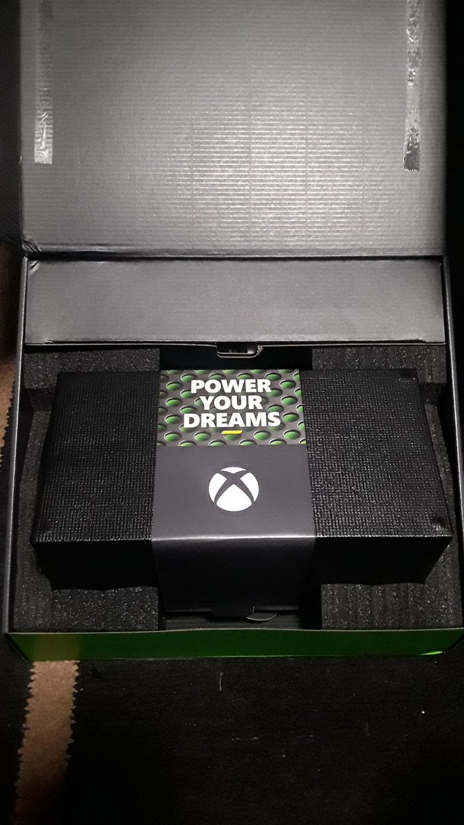@Xbox #PowerYourDreams looky looky 😘😘😘