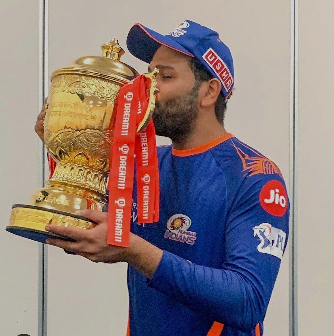 @RVCJ_FB 5th IPL trophy for #mi 💙💥 #RohitSharma ❤