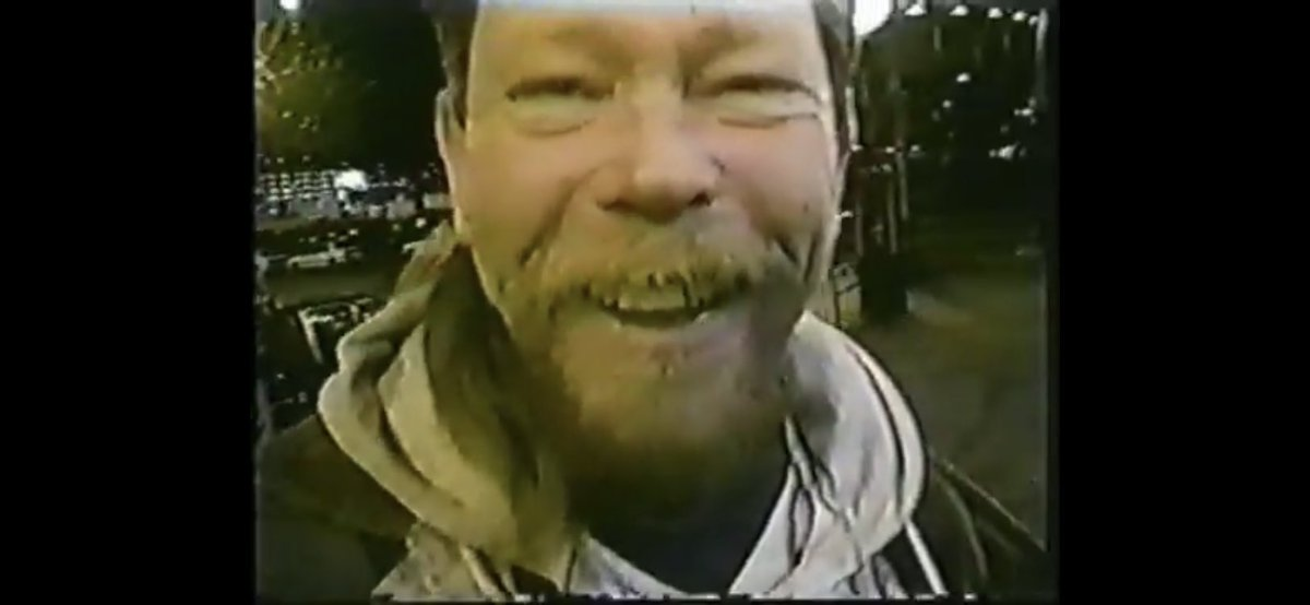 A #49ers mate told me this week he luved my #Halloween2020 acting/dress up as Mr #DonaldTrump y! Pics from #Seattle section of my movie with the street guys laughing at my Bill Cliton 1999 #Halloween outfit in my #sportscomedy movie. 2min trailer https://t.co/wxTIfvy1ct https://t.co/1LWgaets8e