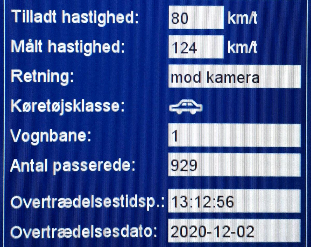 Vi har igen besøgt vores faste fokusstrækning Tinglevvej ved Aabenraa. Desværre måtte vi blitze 22 bilister som havde for travlt, 2 får ydermere et klip i kørekortet for hastigheder op til 124km/t i 80zone. Sænk farten, Tinglevvej er ikke en motorvej #atkdk #politidk https://t.co/zfLaWxDu2H