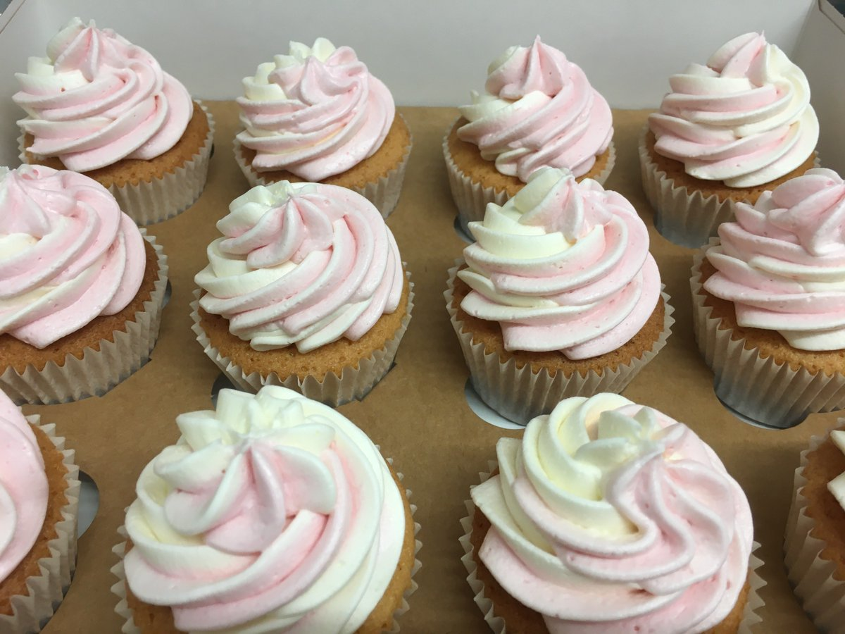 Pretty Vanilla Cupcakes with a raspberry and vanilla flavoured buttercream baked and delivered same day! #freshisbest #homebaker #cupcakes #vanillacake #vanillacupcake #noartificialcolouring #party #celebrations #warwick #solihull #coventry #leamingtonspa