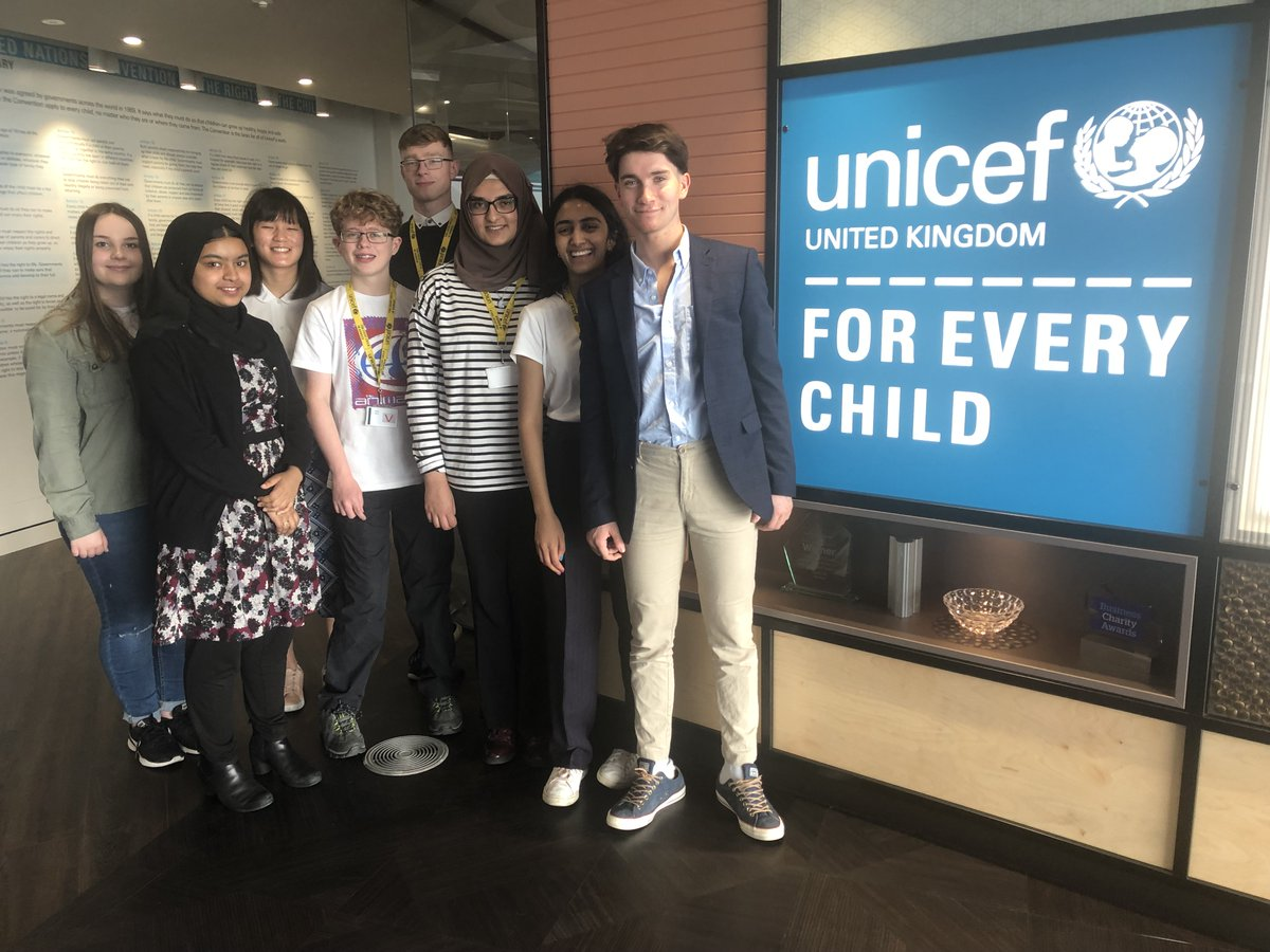 Hi! We're the Unicef UK Youth Advisory Board. We're tweeting from the account today  to highlight International Day of Persons with Disabilitie and promote the voices of young people with disabilities. Stay tuned for some incredible stories! #IDPD2020   ~ Youth Advisory Board :)