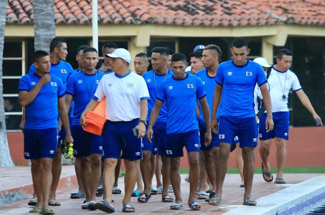 Vuelve el fútbol playa! Selección reanuda entrenos e Indes anuncia fechas para la liga. EoPU4FvWEAEkMQy?format=jpg&name=medium