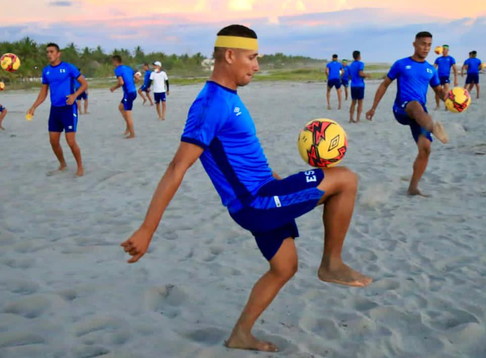 Vuelve el fútbol playa! Selección reanuda entrenos e Indes anuncia fechas para la liga. EoPU4FxXIAIzx1C?format=jpg&name=medium