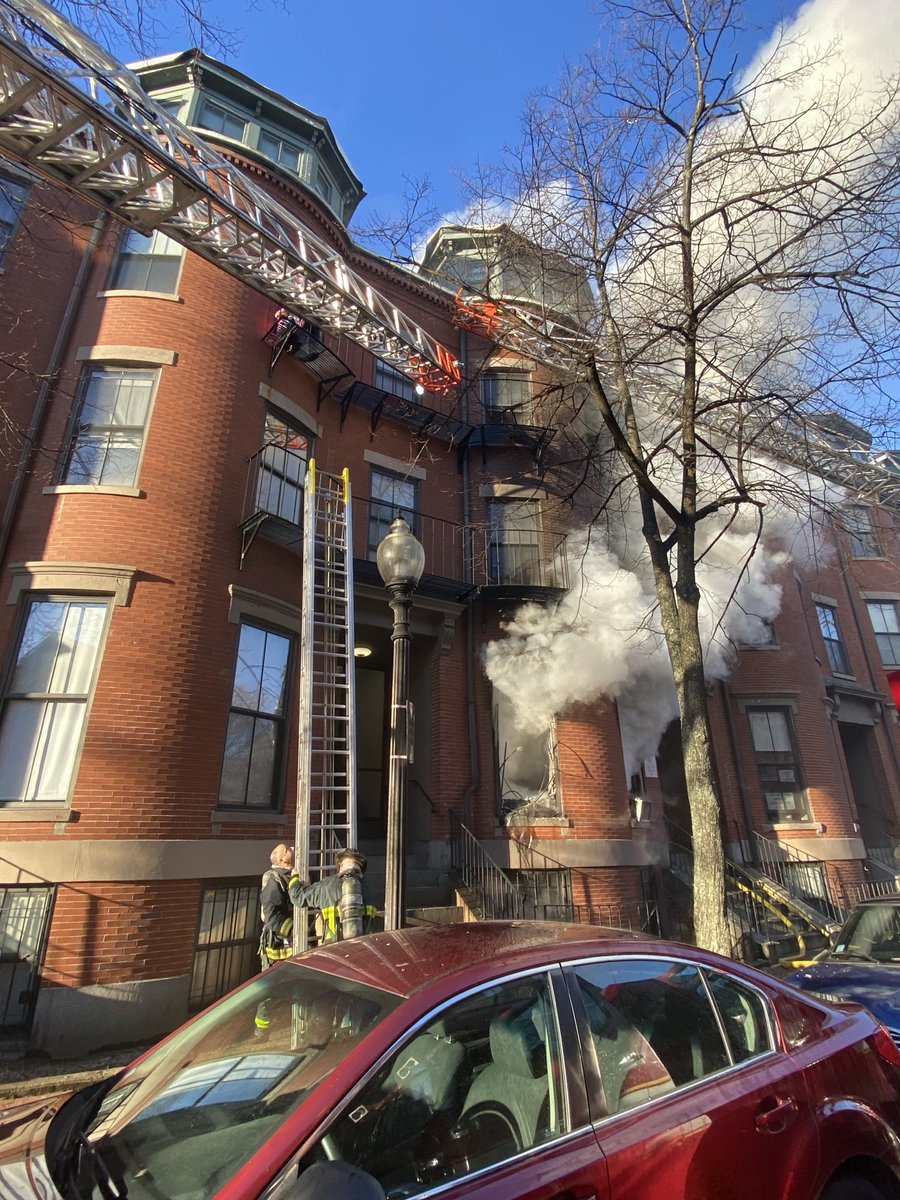 A great team save by the members of Ladder 4. Working together for a positive outcome, at the 2 alarm fire at 68 West Newton st. https://t.co/2qxcCYnT07