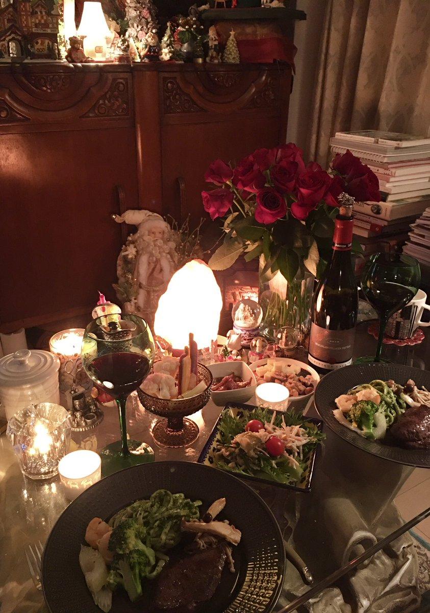 今夜は… デパ地下の松坂牛ステーキ🥩 焼きました〜お肉焼くの上手じゃないので いつも緊張します😌 🦐と🥦セロリのマヨ炒め キノコのバルサミコソテー 自家製ピクルス…とか #おうちごはん #夜ごはん #料理 #肉 #ワイン #美味しい #dinner #food #cooking #foodie #wine #delicious #family #ステーキ