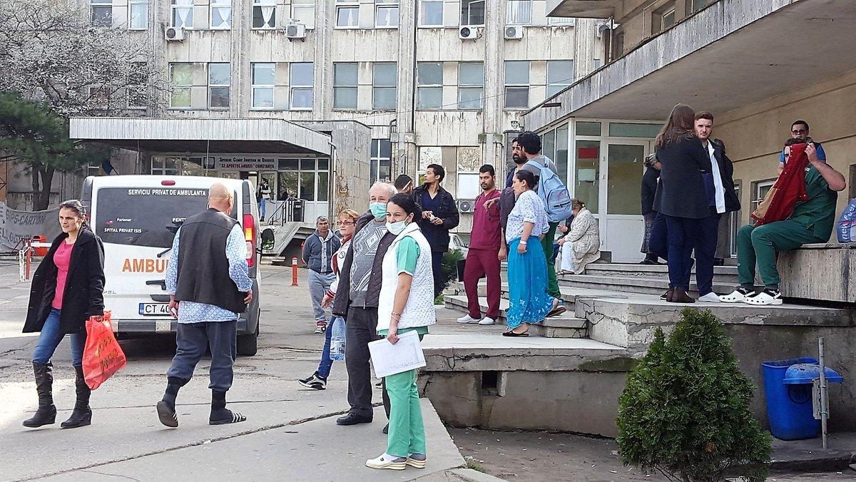 După două săptămâni de carantină, în municipiul Constanța rata infectării a crescut cu 1,5 la mia de locuitori https://t.co/gFlxeVJLMt #news #stiri #romania https://t.co/tqO5V2SMPZ