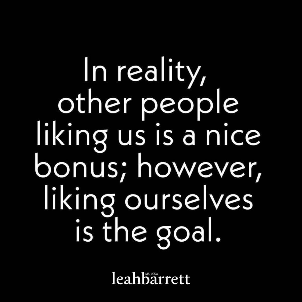 #wednesdaywisdom ✨ #wisdom #wisdomwednesday #wordsofwisdom #wordsofadvice #loveyourself #selflove #leahbarrett
