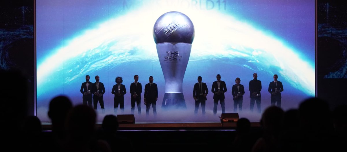"""¡Tu voto cuenta! ✍📲  Visita los canales oficiales en Twitter de FIFA y vota por tus favoritos en los Premios """"The Best"""" FIFA's Football Awards 2020:   ✅ @fifacom_es  ✅ @FIFAcom  ✅ @fifacom_fr  ✅ @FIFAWWC   📸 @FIFAcom  #Fedofutbol #FutbolRD #FIFAFootballAwards"""