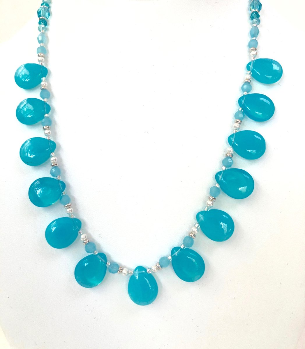 Sharing for Susan Ryan on Etsy  Really love this, from the Etsy shop SRyanJewelryDesigns. https://t.co/xK6m0bOu6E #etsy #statementnecklace #handmadejewelry #teardropnecklace #womensjewelry #bluenecklaceset #beadedjewelryset #bluebeadnecklace #necklaceearrings https://t.co/z2JYoSemiS