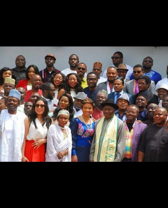 When will a day like dis come again .... When the youths are happy😄... @NigeriaYouthM #nigerianyouths @GEJonathan @YulEdochie https://t.co/C92cIfb2m8