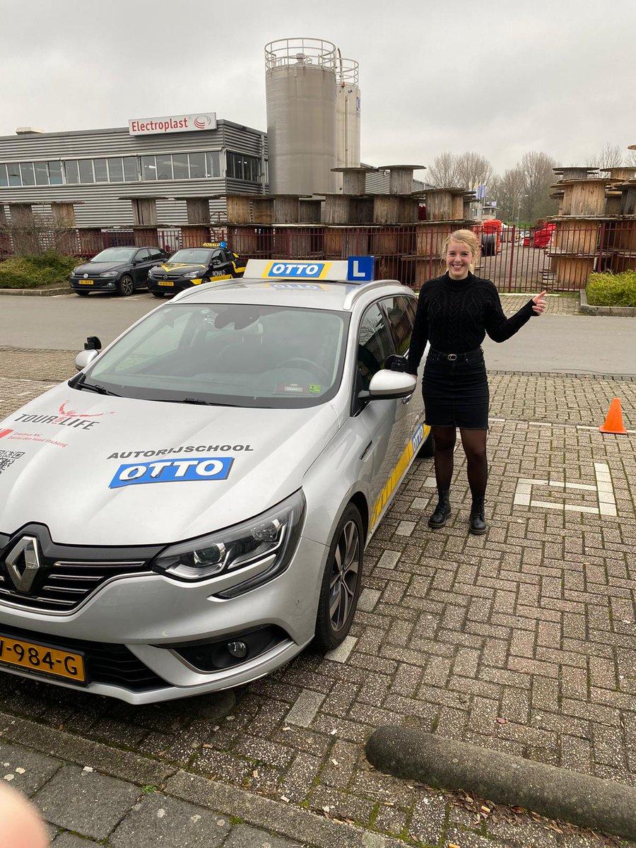 test Twitter Media - Willianne van den Berg Gefeliciteerd met het in 1x behalen van je rijbewijs. Nu op zoek naar een eigen auto, voor veel veilige en fijne kilometers. https://t.co/ZrI3AsRAiB