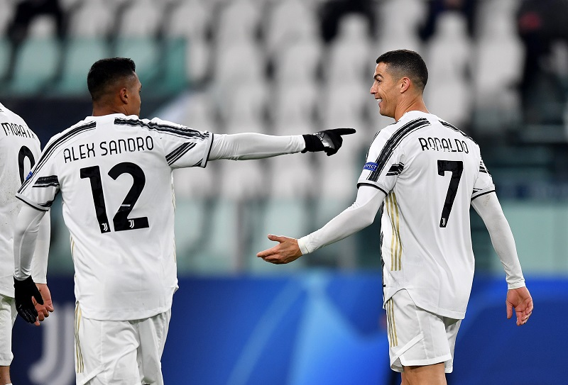 Cristiano Ronaldo was back among the goals as Juventus thumped Dynamo Kyiv in the UEFA Champions League on Wednesday evening. #SLInt Read: bit.ly/39BomLZ