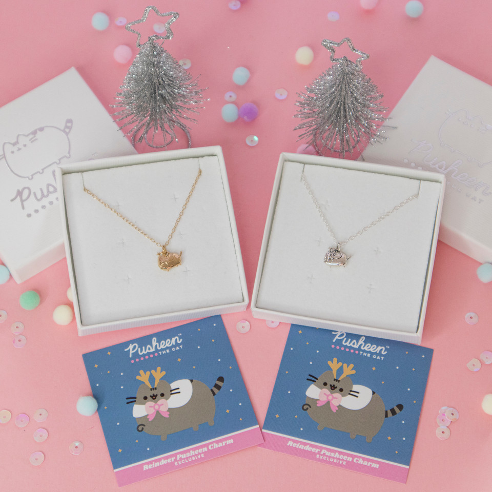 The newest @LicensedToCharm #Pusheen charm is here! The adorable Pusheen Reindeer Charm is the latest addition to the super-cute charm collection and is available in a gold vermeil finish, as well as an antiqued polished silver 💕 bit.ly/3offboz