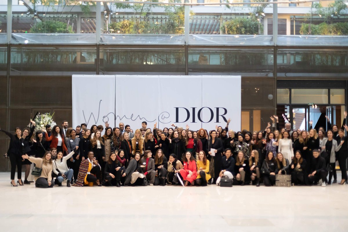 Guys! @Dior invited me to feature in their lovely program #WomenAtDior, talking #WomenEmpowerement, #GenderEquality, #Diversity, #Sustainability. Catch the interview on Christian Dior Couture's @LinkedIn on December 9th, 13h Paris time!  Register here! ⬇️