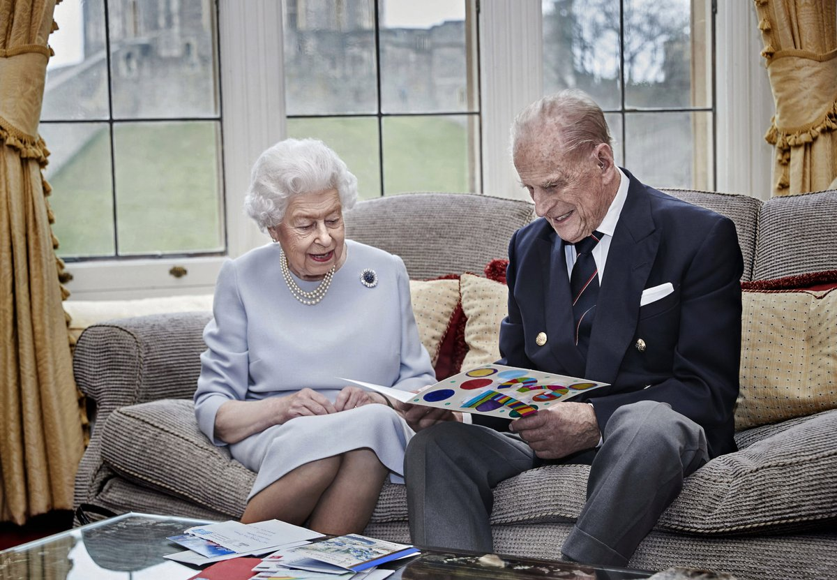 Sokan lemaradnak idén az angol királynő karácsonyi vacsorájáról https://t.co/qlfxBrWsNJ Idén elmarad a brit királyi család hagyományos karácsonyi vacsorája, a pandémia miatt II. Erzsébet angol királynő és férje, Fülöp herceg csendben, elvonulva ünnepel – írja online felületé... https://t.co/YhfsUAHAkF