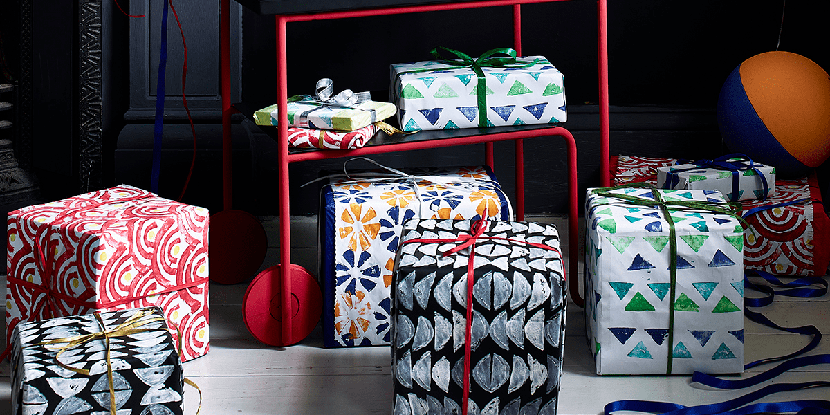 How to make DIY wrapping paper! Pick your own colors and patterns for every style and decor!  #holiday #creative #tistheseason #Christmas2020 #yyc #yeg #MadMaids #housecleaning #satisfactionguaranteed #maidservice