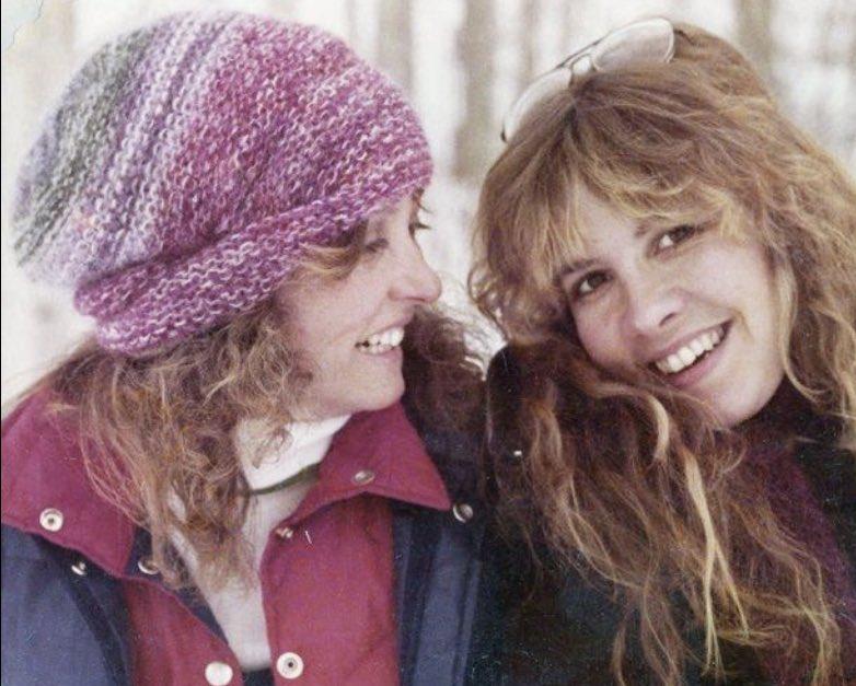 Beautiful  #StevieNicks #FleetwoodMac #Beautiful #Vintage #lovely #70s #80s #90s #singer #band #ChristineMcVie #Follow #Rumours #Tusk #Mirage #WildHeart #BellaDonna #Iconic #Timeless #Classic #RockAndRoll #babe #star #music #singer https://t.co/b5xTiPCcba