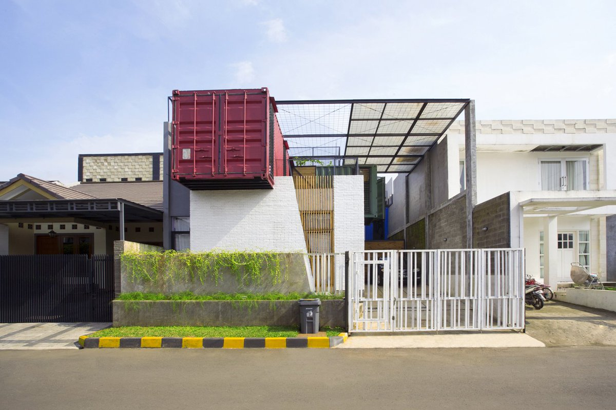 Can't find you any Architectural Design as your dream? Contact Me:   #containerhouse #containerhome #corpseisverified #shippingcontainer #NamgiHot100Songwriter #interiordesignideas #housedesign